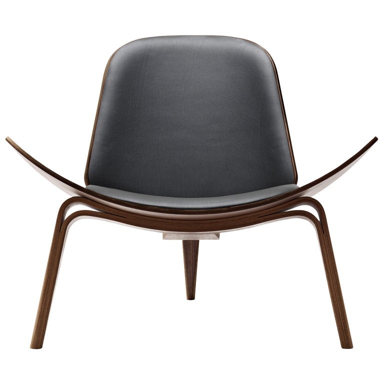 For Sale: Black (Thor 301) CH07 Shell Chair in Walnut Oil with Leather Seat by Hans J. Wegner