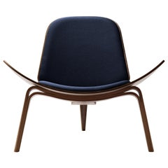 CH07 Shell Chair in Walnut Oil with Upholstered Seat by Hans J. Wegner
