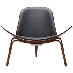 CH07 Shell Chair in Walnut Oil with Thor 301 Leather Seat by Hans J. Wegner