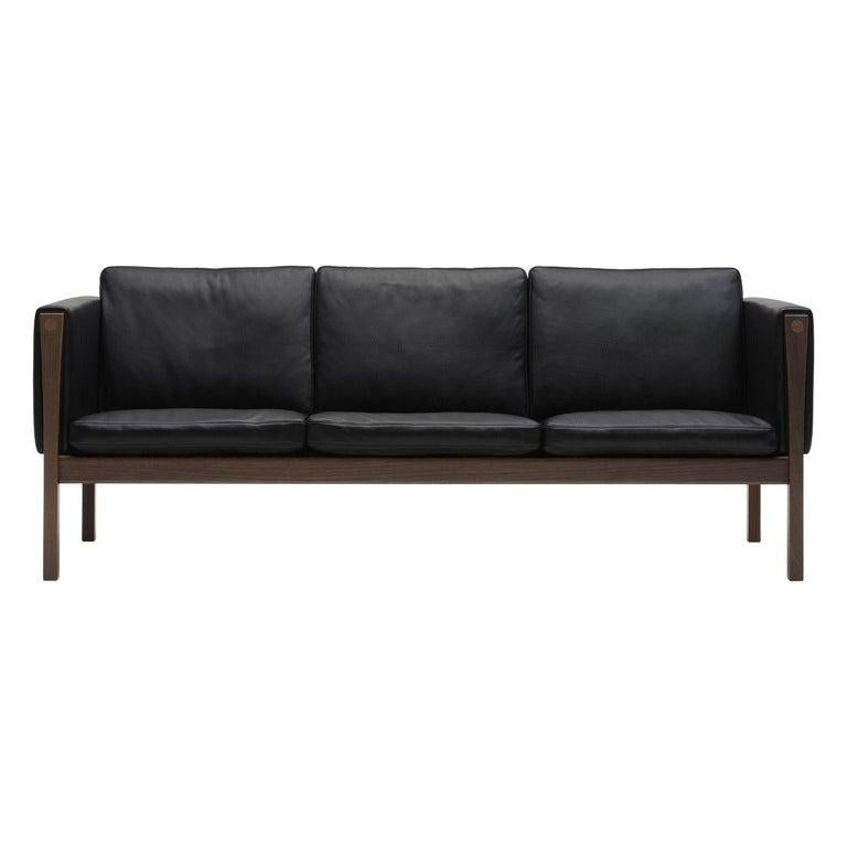 CH163 Sofa in Walnut Oil Frame with Leather Upholstery by Hans J. Wegner