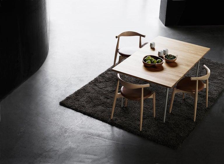 CH20 Elbow Chair in Oak Painted Black by Hans J. Wegner For Sale 3