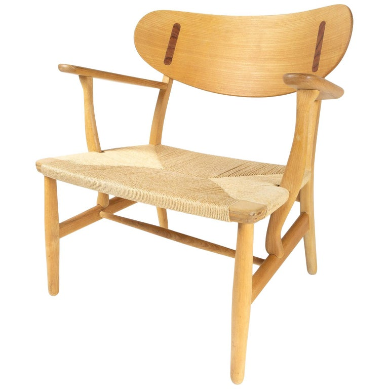 CH22 Lounge Chair by Hans Wegner for Carl Hansen, Denmark For Sale