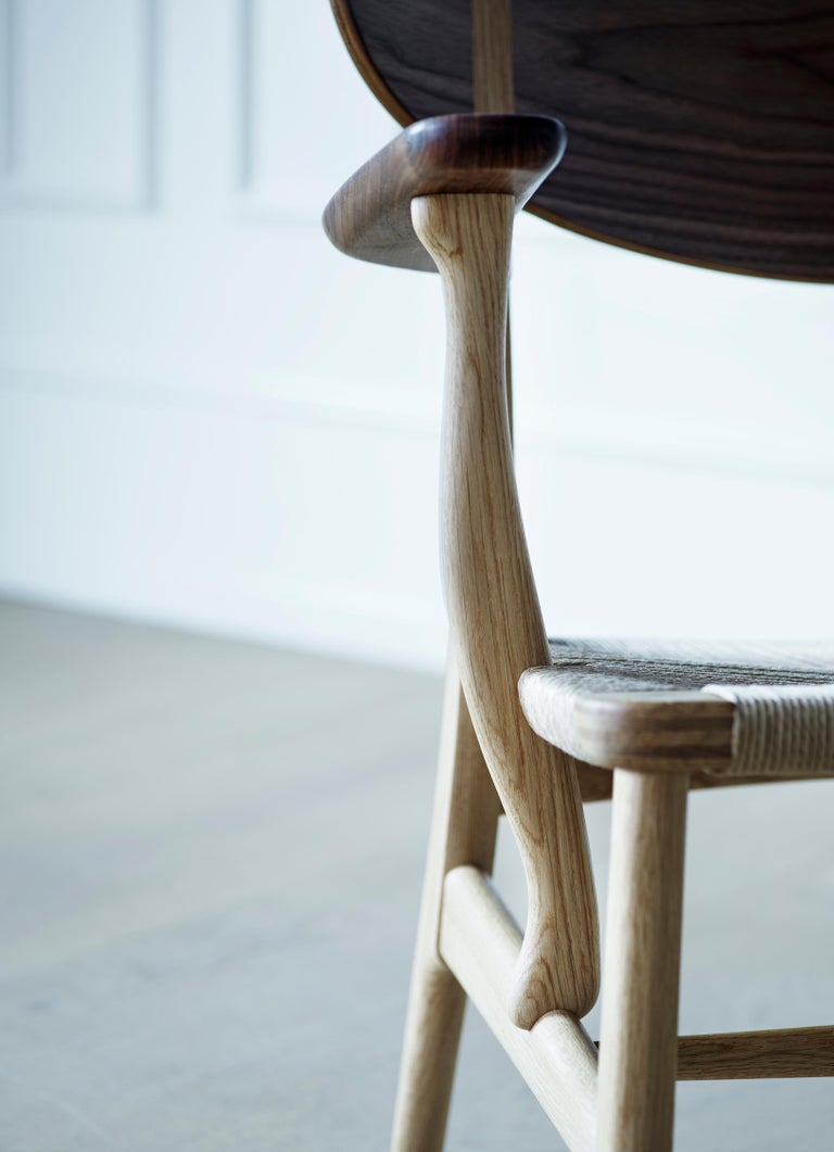 CH22 Lounge Chair in Wood with Natural Papercord Seat by Hans J. Wegner For Sale 8
