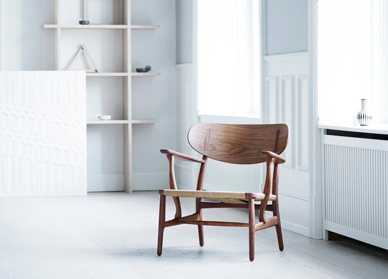 CH22 Lounge Chair in Wood with Natural Papercord Seat by Hans J. Wegner For Sale 11