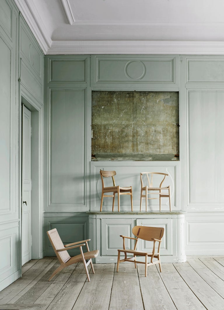 CH23 Dining Chair in Wood Finishes with Black Papercord Seat by Hans J. Wegner For Sale 11