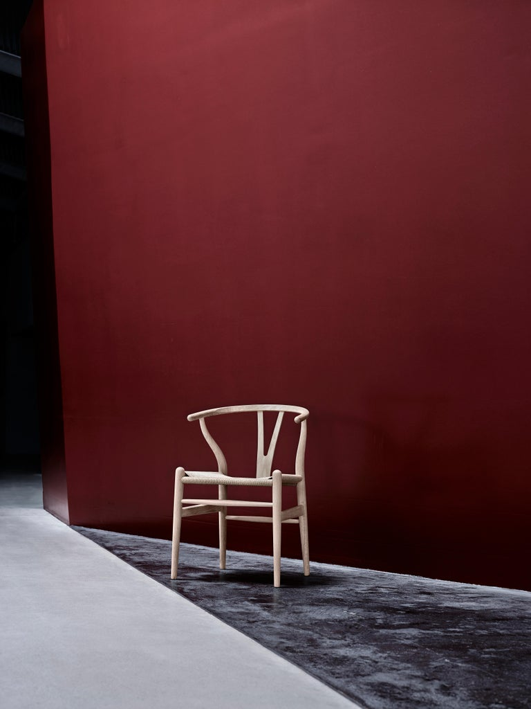 CH24 Wishbone Chair in Wood Finishes with Black Papercord Seat by Hans J. Wegner For Sale 30