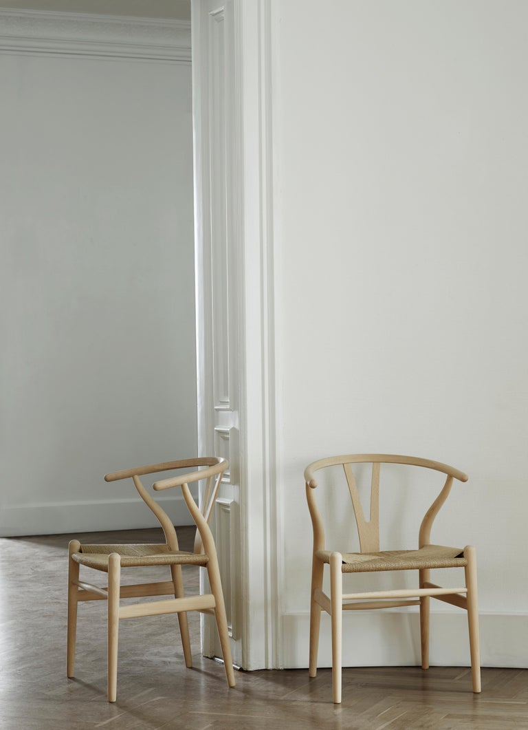 CH24 Wishbone Chair in Wood Finishes with Natural Papercord Seat by Hans Wegner For Sale 24