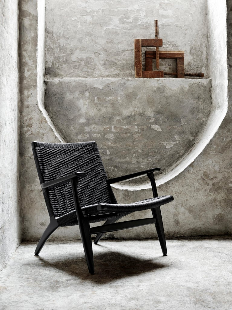CH25 Easy Lounge Chair with Black Papercord Seat by Hans J. Wegner For Sale 3