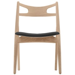CH29P Sawbuck Chair in Oak White Oil by Hans J. Wegner