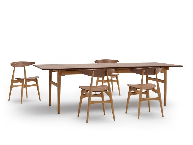 CH327 Large Dining Table in Wood Finish by Hans J. Wegner For Sale 4