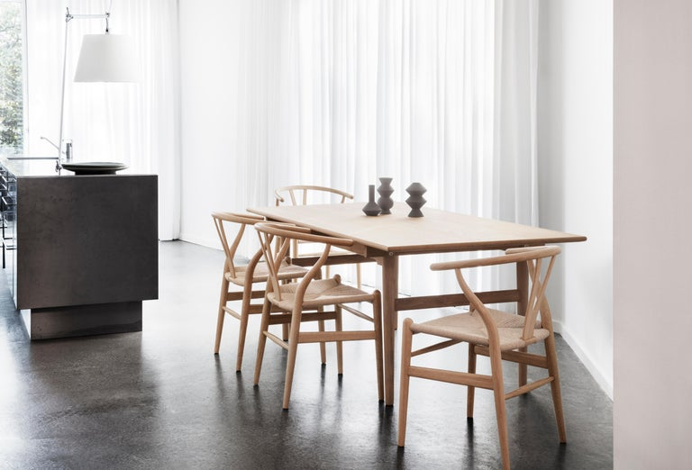 CH327 Large Dining Table in Wood Finish by Hans J. Wegner For Sale 3
