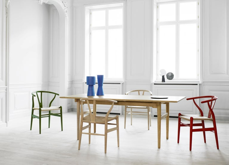 CH327 Small Dining Table in Wood Finish by Hans J. Wegner For Sale 8
