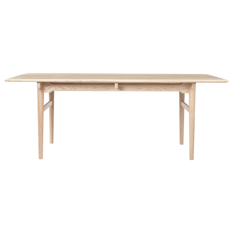 For Sale: Beige (Oak White Oil) CH327 Small Dining Table in Wood Finish by Hans J. Wegner