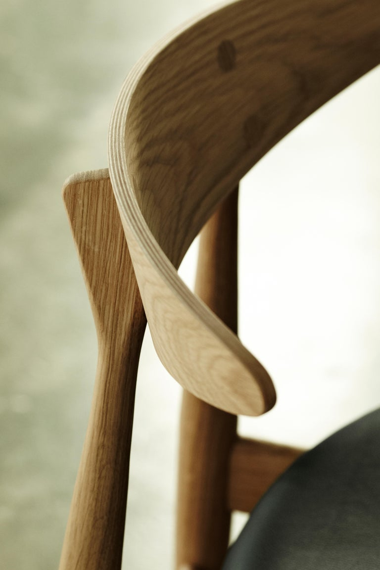 Lacquered CH33P Dining Chair in Oak Lacquer by Hans J. Wegner For Sale