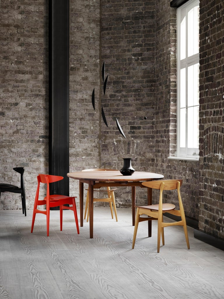 CH33P Dining Chair in Oak Lacquer by Hans J. Wegner For Sale 1