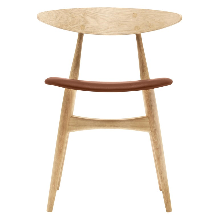 For Sale: Brown (Thor 307) CH33P Dining Chair in Oak Lacquer by Hans J. Wegner