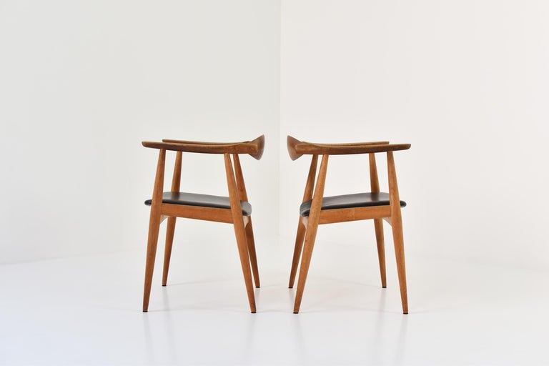 CH35 Chairs Designed by Hans Wegner for Carl Hansen and Son, Denmark, 1950s For Sale 3