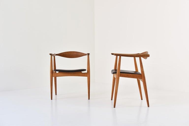Scandinavian Modern CH35 Chairs Designed by Hans Wegner for Carl Hansen and Son, Denmark, 1950s For Sale