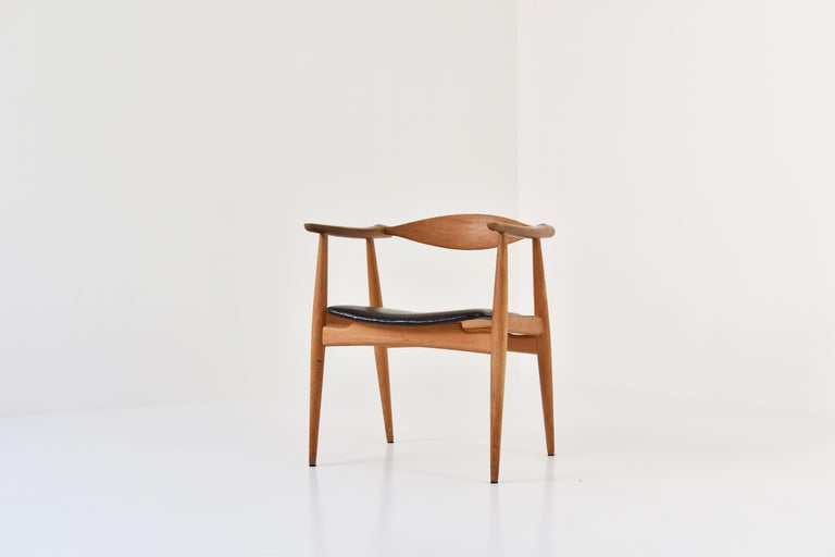 CH35 Chairs Designed by Hans Wegner for Carl Hansen and Son, Denmark, 1950s In Good Condition For Sale In Antwerp, BE