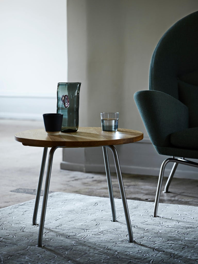CH415 Coffee Table in Wood and Stainless Steel by Hans J. Wegner In New Condition For Sale In New York, NY