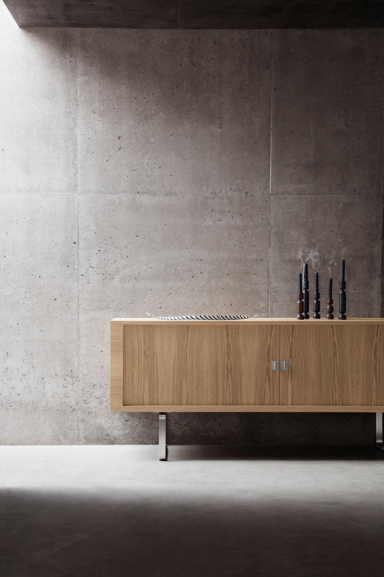 CH825 Credenza with Stainless Steel Base by Hans J. Wegner For Sale 1