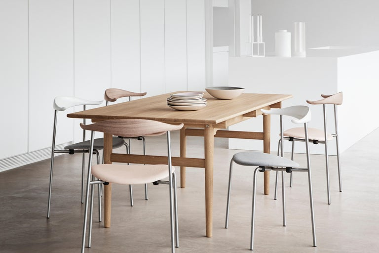 CH88P Dining Chair in Oiled Oak with Powder Coated Steel Base by Hans J. Wegner In New Condition For Sale In New York, NY