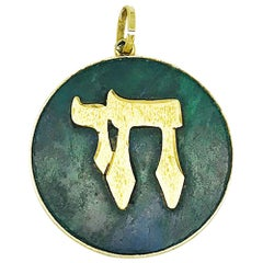Chai 14 Karat Yellow Gold Pendant Geen Colorful Malachite Gemstone