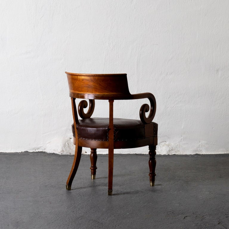 Chair Desk Swedish Mahogany Brown Sweden In Good Condition For Sale In New York, NY