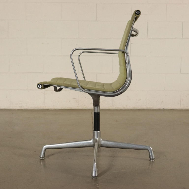 Chairs, Aluminum and Fabric, 1970s Charls & Ray Eames, Herman Miller For Sale 3