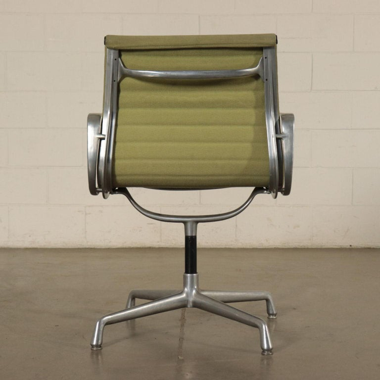 Chairs, Aluminum and Fabric, 1970s Charls & Ray Eames, Herman Miller For Sale 4
