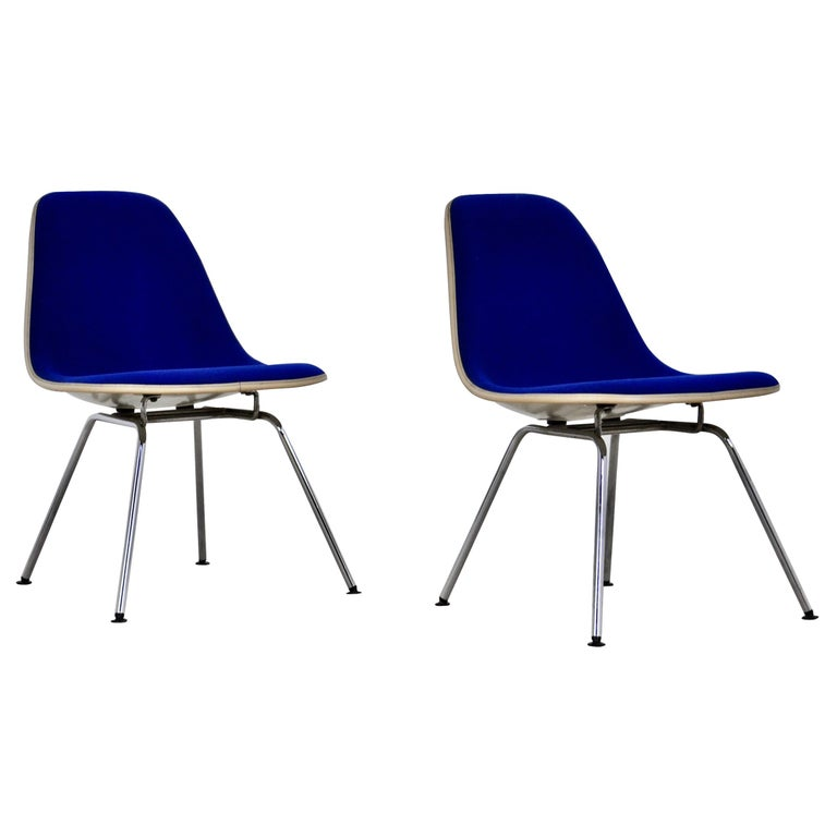 Chairs by Charles and Ray Eames for Herman Miller, 1960s For Sale