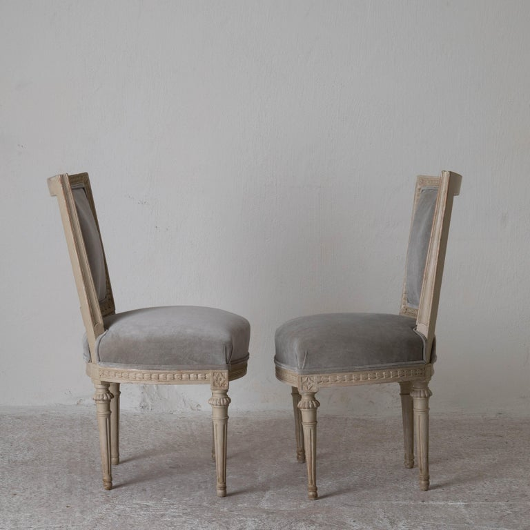 Chairs Dining Set of 8 Swedish Gustavian Gray, Sweden In Good Condition For Sale In New York, NY