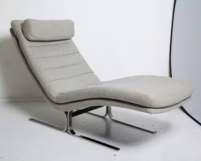 Mid-Century Modern 1970s Chromed Steel Chaise Longue by Brayton International For Sale