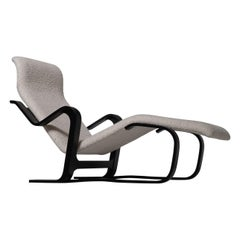 Chaise Longue in Plywood and Bouclé by Marcel Breuer