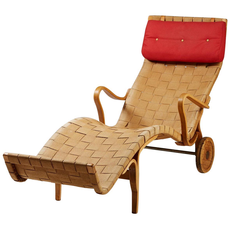 "Chaise Longue ""Pernilla"" Designed by Bruno Mathsson for Karl Mathsson, Sweden"
