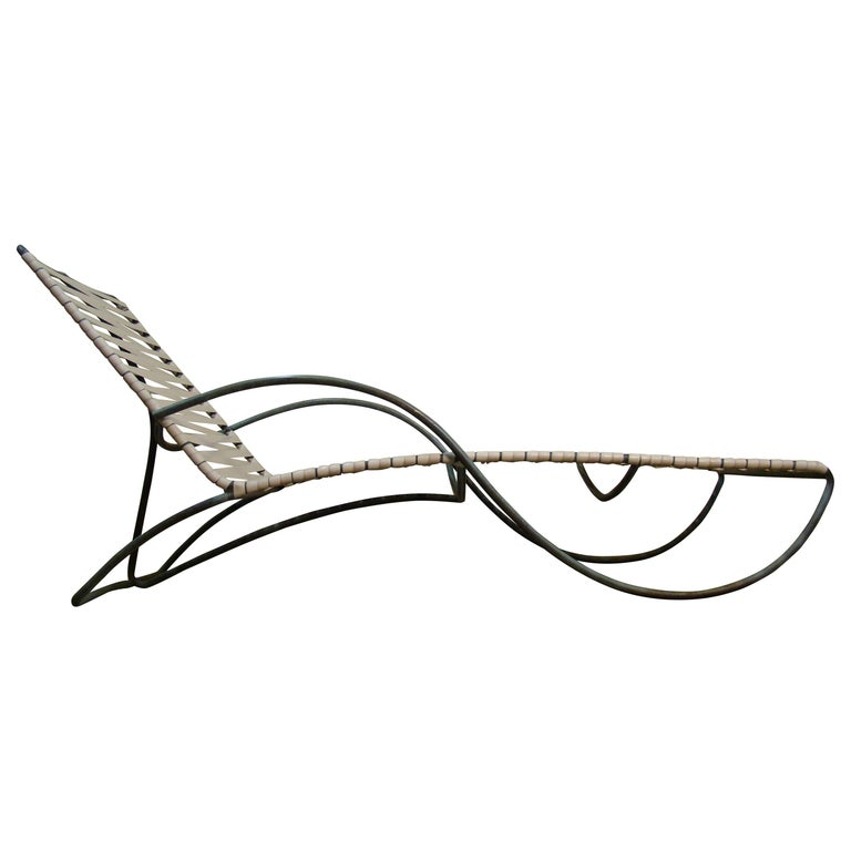 Chaise Lounge '#1' by Walter Lamb for Brown-Jordan Outdoor in Bronze Tubing For Sale