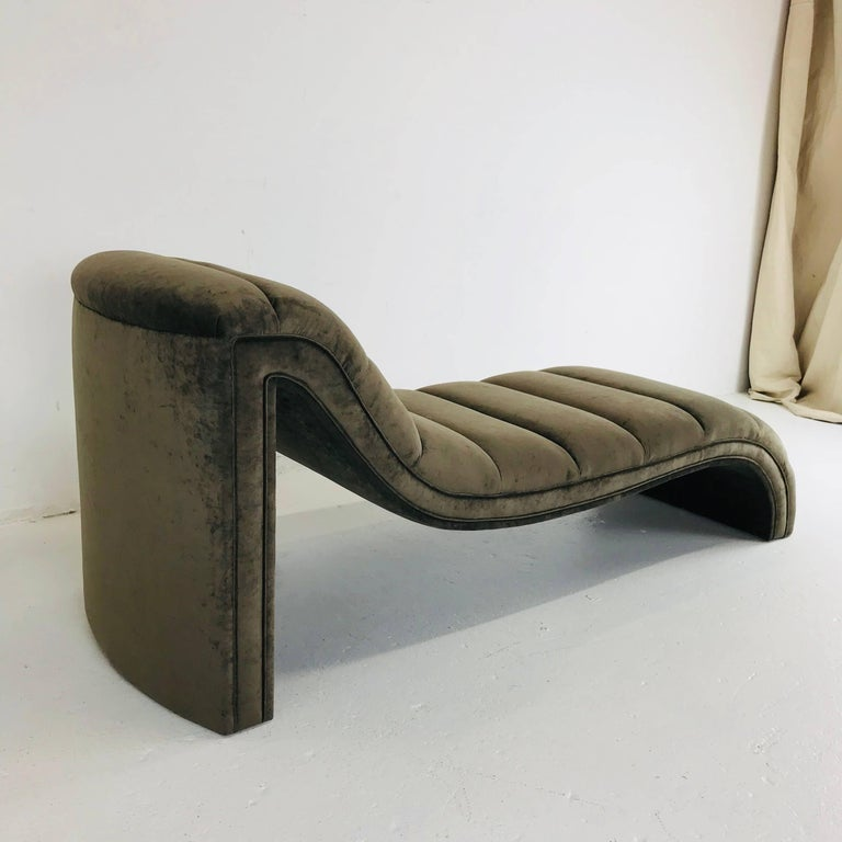 Chaise Lounge, Custom In New Condition For Sale In Dallas, TX