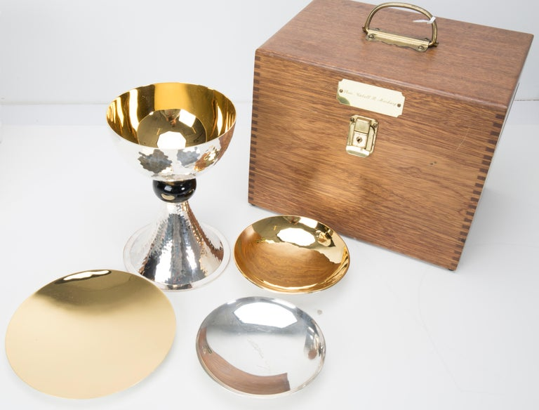 Chalice Set in Sterling Silver and Gold-Plated In Excellent Condition For Sale In New York, NY