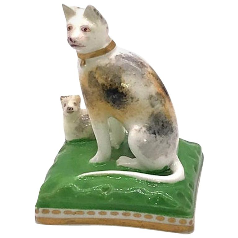 Chamberlain Worcester Porcelain Cat and Her Kitten, circa 1810 For Sale
