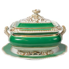 Chamberlains Worcester Green Soup Tureen Made in England, circa 1825
