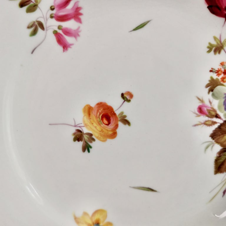 Hand-Painted Chamberlains Worcester Porcelain Plate, White with Flowers Victorian, circa 1846