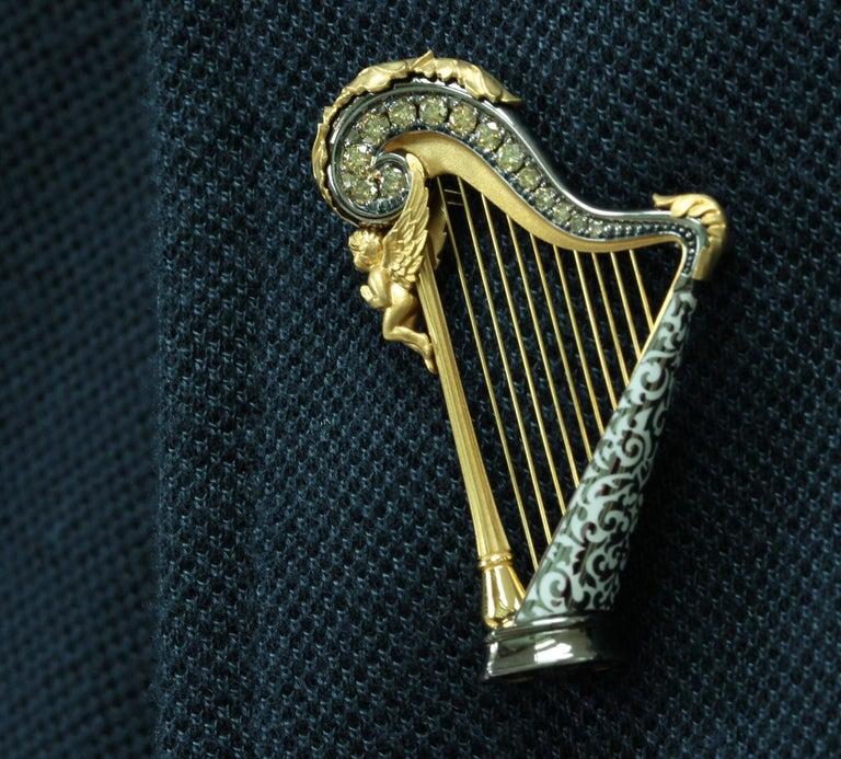 Contemporary Champagne Diamond Enamel 18 Karat Yellow Gold Harp Brooch For Sale