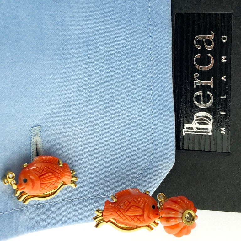 Champagne Diamond Hand-Inlaid Hand Carved Coral Fish Shaped 18Kt Gold Cufflinks 3