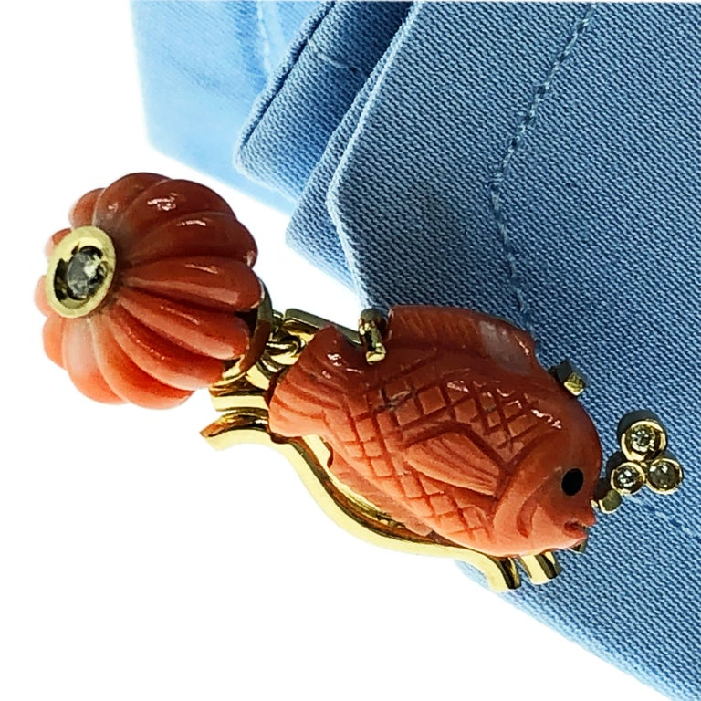 Champagne Diamond Hand-Inlaid Hand Carved Coral Fish Shaped 18Kt Gold Cufflinks 5