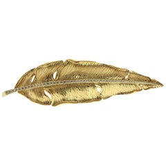 Champagne Diamonds 18 Karat Yellow Gold Leaf Brooch