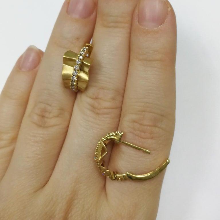 Champagne Diamonds 18 Karat Yellow Gold Pret-a-Porter Earrings For Sale 1