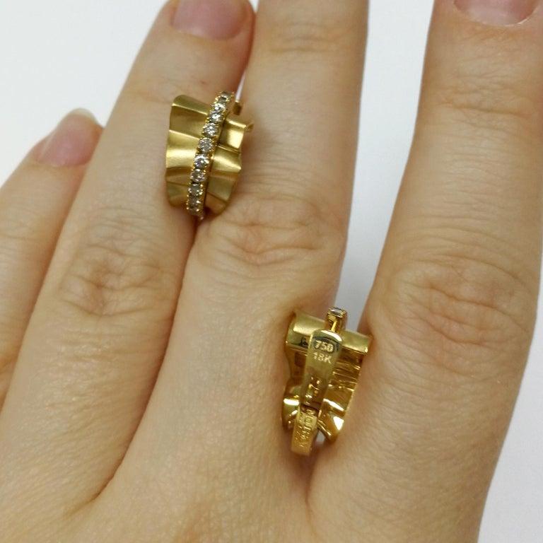 Champagne Diamonds 18 Karat Yellow Gold Pret-a-Porter Earrings For Sale 2