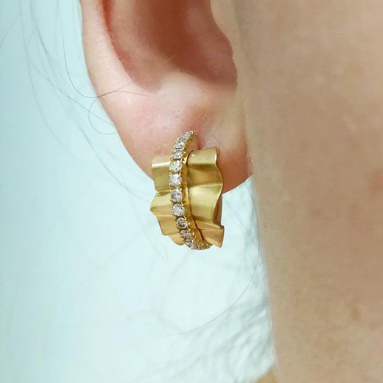 Champagne Diamonds 18 Karat Yellow Gold Pret-a-Porter Earrings For Sale 4