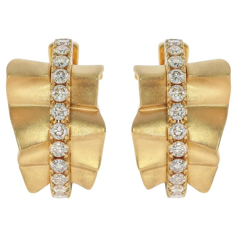 Champagne Diamonds 18 Karat Yellow Gold Pret-a-Porter Earrings For Sale