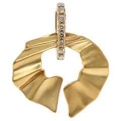 Champagne Diamonds 18 Karat Yellow Gold Pret-a-Porter Pendant